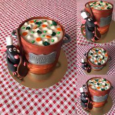 Gâteau d'anniversaire thème Ratatouille avec Rémy cuisinier, marmite de soupe de légumes, épices, toque de chef, cuillère en bois, cake design, pâte à sucre, Disney