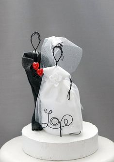 unique wedding cake toppers  raquo  403 best Wedding Cake Topper Ideas images on Pinterest in 2018     403 best Wedding Cake Topper Ideas images on Pinterest in 2018   Cake  topper wedding  Wedding cake toppers and Cake wedding