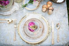 #place-settings, #vintage
