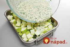 Ideálna príloha, alebo pokojne aj hlavné jedlo na teplé dni. Navyše, pripravíte ju veľmi rýchlo a skutočne jednoducho. Stačí len nakrájať, zaliať omáčkou a šup do rúry. :-)