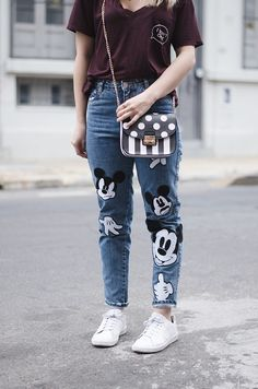 3 OUTFITS CON MOM JEANS mickey mouse Cute Disney Outfits, Disney World Outfits, Mom Jeans Outfit, My Outfit, Sporty Chic, Denim Art, Jean Outfits, Mickey Mouse, How To Make