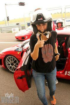 """sorriso pós pista! - """"Da série melhores momentos de 2013: uma volta de Ferrari em Modena"""" by @Alexandra Aranovich"""