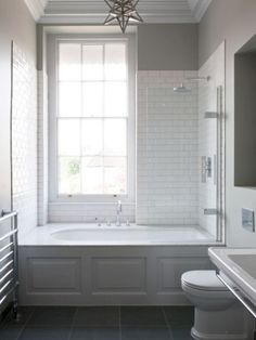 Badezimmer Small Bathroom Tub Shower Combo Ideas How Contemporary Office Furniture Can Help Your Bathtub Shower Combo, Shower Over Bath, Bathroom Tub Shower, Shower Window, Small Bathroom With Tub, Dyi Bathroom, Vanity Bathroom, Bathroom Modern, Shower Curtains