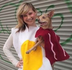 Check out these homemade dog costumes that are so cute! 15 homemade dog costumes that are quick and easy. Your dog will be the hit of the Halloween party! Bacon Halloween Costume, Bacon Costume, Clever Halloween Costumes, Halloween Fun, Couple Halloween, Dog And Owner Costumes, Diy Dog Costumes, Funny Costumes, Costume Ideas