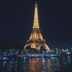 Instagram【jjoo1130】さんの写真をピンしています。 《? . . . . . #europe #france #paris #eiffeltower #effeltower #ヨーロッパ #フランス #パリ #海外旅行 #유럽 #프랑스 #파리 #에펠탑 #여행스타그램 #유럽여행 #유럽스타그램 #사진스타그램 #photo #travelgram #instatravel #snapshot #landscape #nightview #nightscape #야경 #夜景 #유디니 #여행에미치다》