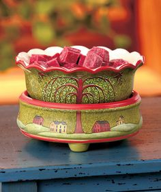Use this 2-In-1 Ceramic Tart Warmer with tarts or a jar candle to make any room smell amazing! #LakesideCollection