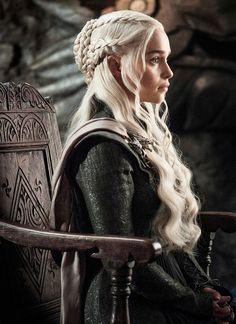 """""""Daenerys Targaryen in episode 705, Eastwatch  """""""
