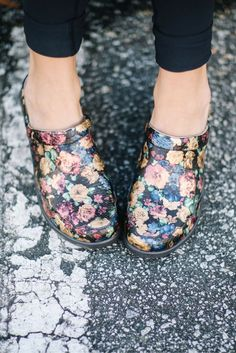 Flowers always brighten a day so why not wear them everyday? You can with the Isabelle Queenie Gold by Alegria Shoes which might just be the most cute and comfortable mule you will ever find.