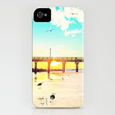 Some of the most personable and amazing iPhone cases I've yet to find. <3 I WANT THIS SO BAD