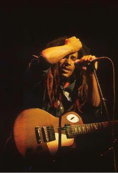 Bob Marley remembering that it's his wife's birthday right in the middle of a concert