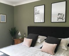 Luxury Rooms: Inspirations & Awesome Photos - Home Fashion Trend Olive Bedroom, Green Bedroom Walls, Green Master Bedroom, Sage Green Bedroom, Bedroom Wall Colors, Home Decor Bedroom, Dulux Bedroom Colours, Serene Bedroom, Olive Green Rooms