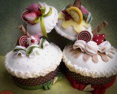 Che dolci creazioni Dal web Felt Diy, Felt Crafts, Diy And Crafts, Crafts For Kids, Felt Cake, Felt Cupcakes, Felt Play Food, Food Patterns, Felt Decorations