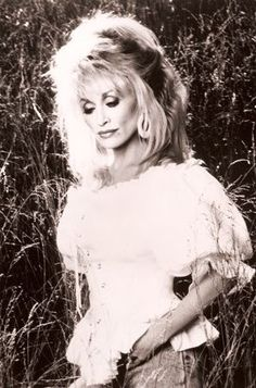 Dolly Parton Lands on 'Hottest Women of All Time' List Old Country Songs, Country Music Artists, Country Music Stars, Country Singers, Country Girls, Dolly Parton, Idole, Hello Dolly, Female Singers