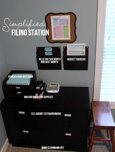 Tidy up and simplify your home office with these tips. Simplified Filing Station via Clean Mama Organization Station, Home Office Organization, Paper Organization, Organized Office, Organizing Paperwork, Organizing Ideas, Clean Mama, Paper Clutter, Home Management