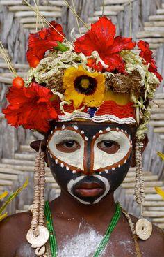 Papua New Guinea   Abelam boy.  Apangai village.    ©Rita Willaert