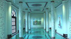 Il benessere è garantito al Relais & Chateaux Terme Manzi Hotel & Spa grazie alla sua grande e moderna Spa, un luogo nato intorno alla più famosa delle sorgenti termali dell'isola di Ischia, la fonte del Gurgitiello, dove, dopo aver unito l'Italia, Giuseppe Garibaldi venne a curarsi le ferite riportate nella battaglia di Aspromonte.