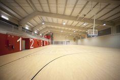 TANDEM Arquitectura · Edificio polideportivo mediante sistema integral de prefabricados de hormigón
