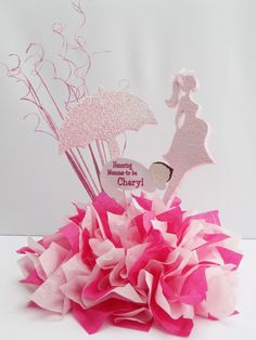 preganant-woman-umbrella-pinks
