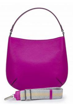 Skórzanej torebka w pięknym fuksjowym kolorze marki Gianni Chiarini. Do noszenia na ramię oraz w formie listonoszki. Elegancka i nowoczesna.