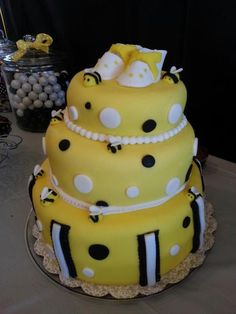 Cake at a Bumblebee Baby Shower #bee #babyshower