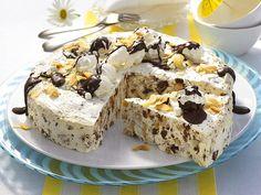 Make ice cream cake yourself - that's how it works - mmmhhh - süß Torten und Blechkuchen - Helados Frozen Cake, Frozen Desserts, Summer Desserts, Summer Recipes, Baking Recipes, Cake Recipes, Snack Recipes, Dessert Recipes, Make Ice Cream Cake