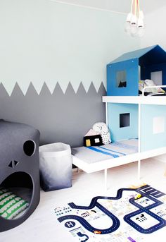 Children's room - Maja bunk bed by Aalto+Aalto and Skullcave by Our Childrens Gorilla - Weekday Carnival