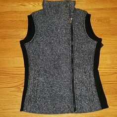 Nwt Andrew Marc New York vest Nwt Andrew Marc New York vest. Brand new well insulated.   Feel free to make reasonable offers! I also do NOT trade. Andrew Marc Jackets & Coats Pea Coats
