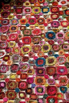 Sophie Digard, Photothèque Marie Claire Copyright Loving this free style technique Art Au Crochet, Freeform Crochet, Crochet Granny, Crochet Motif, Crochet Shawl, Crochet Designs, Crochet Flowers, Crochet Stitches, Knit Crochet