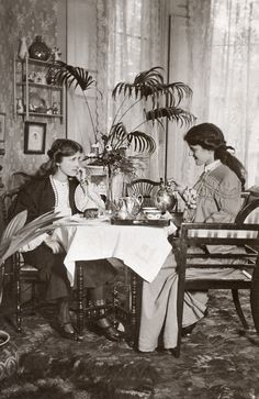 Phyllis and Zena Dare, actress sisters of the Golden Age of British Theatre having tea.