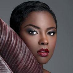 Tutoriel maquillage peaux noires,métisses ou mates spécial Saint Valentin.