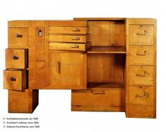 An architect's cabinet, designed by Eileen Gray in She designed a lot of interesting furniture, and built much herself in her own studio. She was somewhere in between the Bauhaus and Art Deco. Eileen Gray, Art Deco Furniture, Modern Furniture, Furniture Design, Gray Furniture, Folding Furniture, Furniture Vintage, Classic Furniture, Style International