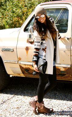 skinnies, sweater (jacket), sunnies, booties & beanie! ❥