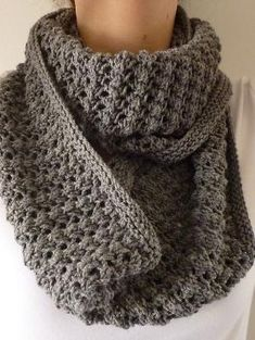 Free Pattern: Easy Lace Cowl by Donna Edgar. by Sorror