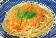 Suussasulavaa rakkautta: Terveellinen kasviskastike pastalle