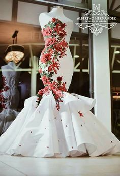 Traditional Shweshwe Dresses 2019 For Wedding- You can examine all tattoo models and print them out. African Bridesmaid Dresses, African Wedding Attire, African Weddings, Elegant Dresses, Beautiful Dresses, African Traditional Wedding Dress, Traditional Weddings, Moda Afro, Dinner Gowns