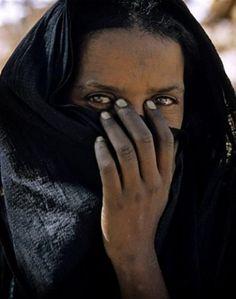 Africa | Tuareg woman. Niger | ©Alessandro Cereda