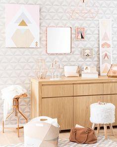 Even in the living room, copper do it better. #ShopNow -- Click link on @maisonsdumonde -- #TenderCopper #LullaCopper #mirror #Sean #stool #PastelDesigns #canvas #copper #rosegold #deco #instadeco #mymdm #maisonsdumonde