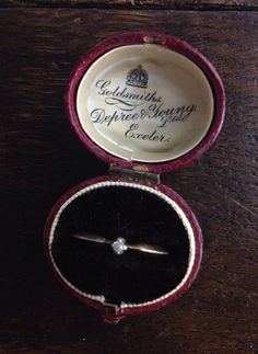 Let's get married! Antique Ring box.