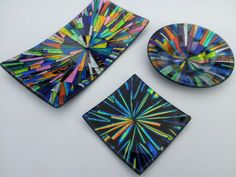 A selection of different Dichroic glass, kiln-formed dishes and bowls. Fused Glass Plates, Fused Glass Art, Mosaic Glass, Glass Bowls, Glass Dishes, Glass Fusion Ideas, Dichroic Glass Jewelry, Fusion Art, Stained Glass Designs