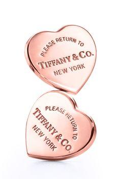 From New York with love. Return to Tiffany® mini heart earrings in RUBEDO® metal.