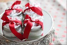 DIY homemade Christmas gifts Creative Christmas Gifts, Homemade Christmas Gifts, Christmas Gift Wrapping, Christmas Diy, Holiday Gifts, London Christmas, Homemade Gifts, Diy Gifts, Christmas Ornaments