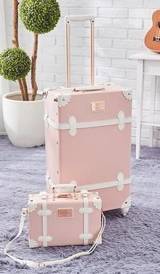 Vintage Look Spinner Luggage & Carry On Travel Bag Set (3 styles) Cute Luggage, Luggage Sizes, Best Luggage, Vintage Luggage, Travel Luggage, Luggage Bags, Pink Luggage, Vintage Travel, Airport Luggage