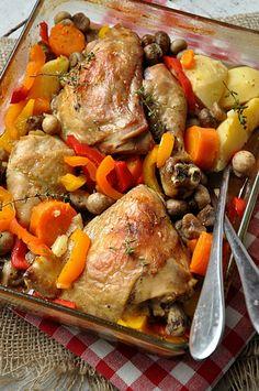 U nas znów kurczak, ale co zrobić, że lubimy jeść drób na różne sposoby 🙂 A tym razem damsko-męska kuchnia poleca na obiad pysznego duszonego kurczaka z warzywami odelikatnym smaku karmelowego piwa. Smacznego! Polecamy też inne smaczne przepisy z kurczakiem … Czytaj dalej → Pot Roast, Poultry, Recipies, Food And Drink, Turkey, Chicken, Ethnic Recipes, Alligators, Products
