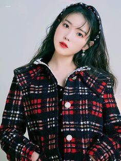 Iu Short Hair, Short Hair Styles, Brand Magazine, Kpop Merch, Iu Fashion, Beautiful Asian Women, Winter Collection, Asian Woman, Kpop Girls