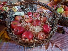 Wicker Baskets, Fruit, Home Decor, Harvest Season, Homemade Home Decor, The Fruit, Decoration Home, Woven Baskets, Interior Decorating