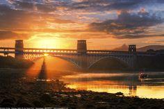 https://flic.kr/p/DvxeRy | Sunrise at Britannia Bridge, Menai Strait, Anglesey, Wales