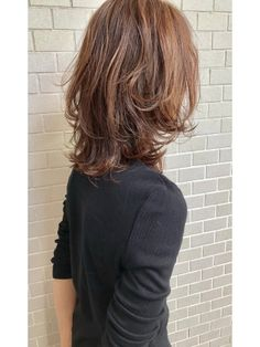 53 Popular Medium Length Hairstyles With Bangs in 2019 - Style My Hairs Shoulder Length Curly Hair, Curly Hair With Bangs, Medium Hair Styles, Short Hair Styles, Morning Hair, Short Grey Hair, Hair Arrange, Aesthetic Hair, Layered Hair