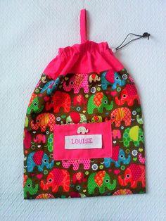 Sac a doudou personnalisable , range pyjama , sac a gouter, en coton imprimé petits éléphants multicolores ,fermeture par un lien : Ecole et loisirs par kate27