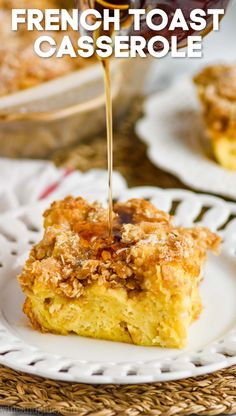 French Toast Casserole makes the perfect brunch recipe. Make it the night before and throw it in the oven the next morning. Everyone will ask for seconds! Overnight French Toast, French Toast Bake, French Toast Casserole, Easy Brunch Recipes, Breakfast Recipes, French Toast Ingredients, Overnight Breakfast Casserole, Dry Bread, Ceramic Baking Dish