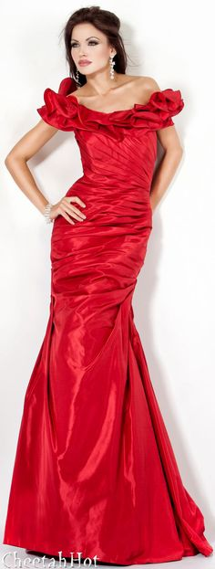JOVANI - Stunning Red Gown